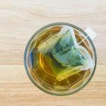 Uống trà xạ đen túi lọc vào buổi tối và những lưu ý