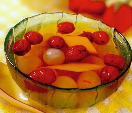 Hướng dẫn nấu canh cam thảo táo đỏ